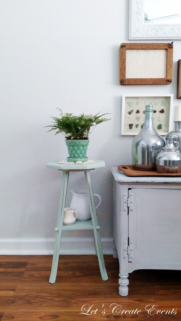 a-cute-little-plant-stand010