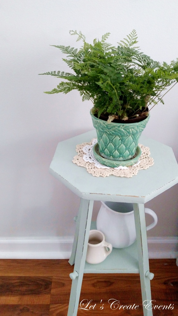 a-cute-little-plant-stand014