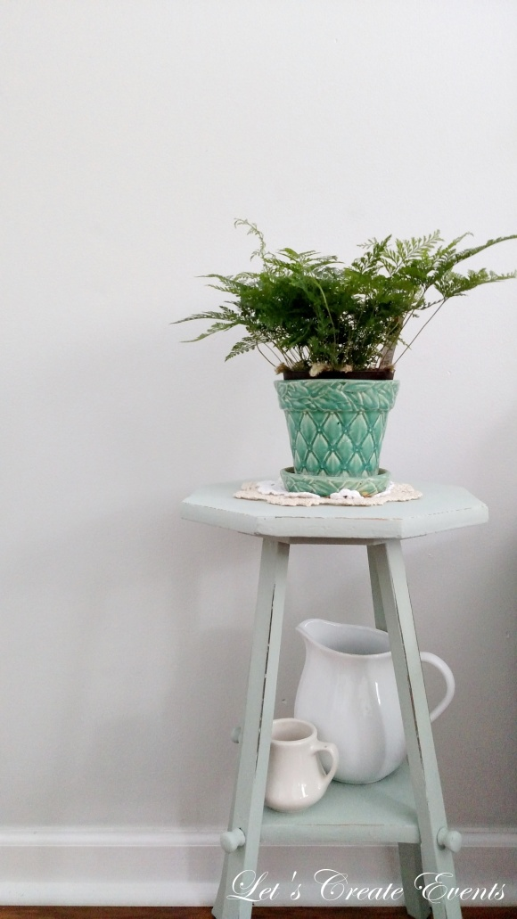 a-cute-little-plant-stand016